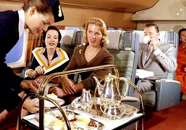 Как раньше кормили в самолетах