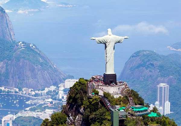 «Христос Спаситель» в Рио-де-Жанейро - 30 метров